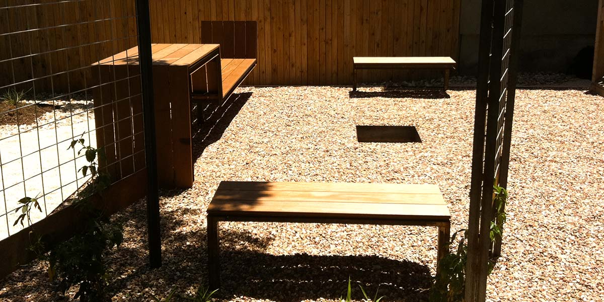 cantilevered-bench-6