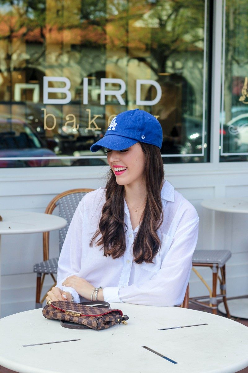 Weekend Brunch Outfit/Ball cap outfit, Casual outfit, Louis Vuitton Favorite PM, Slide-on sandals | A Super Cute Weekend Brunch Outfit featured by top Dallas fashion blog, Never Without Lipstick