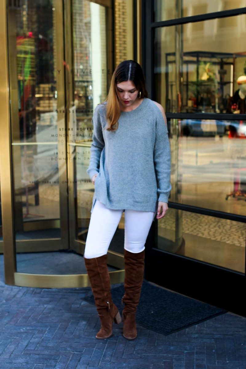 Style blogger Ashley Deatherage of Never Without Lipstick shares her top items under $50 from the Nordstrom Anniversary Sale 2017