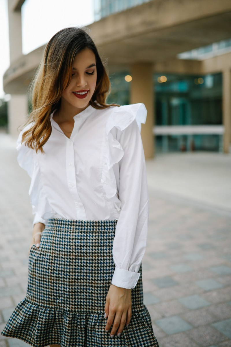 Style blogger Ashley Deatherage breaks down the fall capsule closet pieces you need to take your wardrobe from work to the weekend | capsule closet, capsule wardrobe, how to build a capsule wardrobe, fall 2017 capsule closet, work capsule closet
