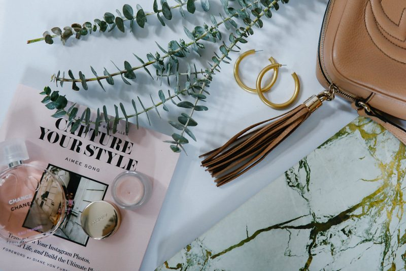 Lifestyle blogger, Ashley Deatherage of Never Without Lipstick, shares 6 email newsletters for women that deserve a spot in your inbox | Never Without Lipstick | dallas blog, lifestyle blog, style blogger, healthy lifestyle, lifestyle inspiration, flatlay photography