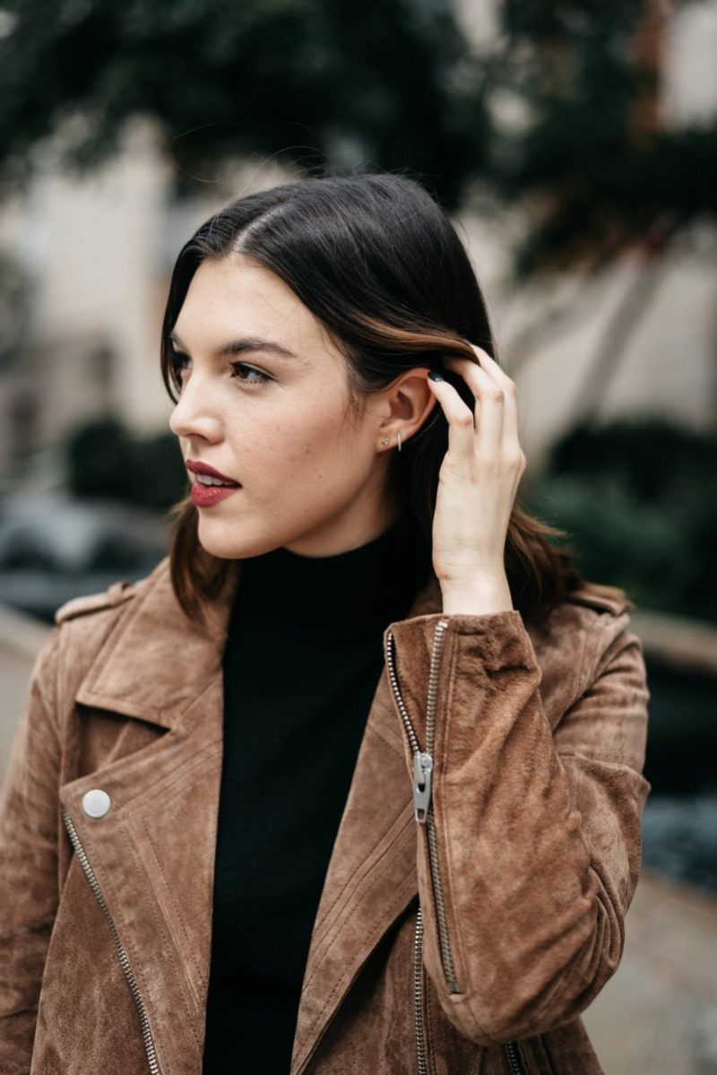 Style blogger Ashley of the Dallas style blog, Never Without Lipstick, shares her top 5 fall investment pieces | investment pieces wardrobe, suede jacket, suede moto jacket, moto jacket outfit, suede jacket outfit, small gucci belt, pointy toe heels, turtleneck outfit fall, turtleneck outfit winter
