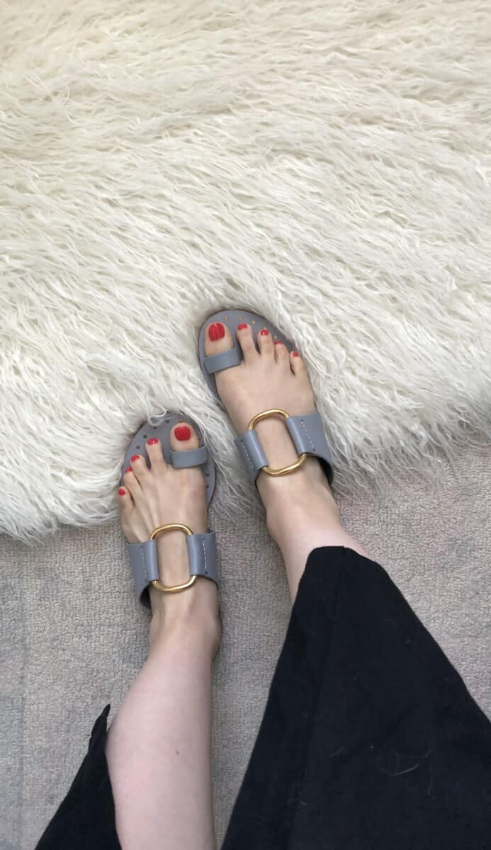 Top US fashion blog Never Without Lipstick shares her must-have summer essentials | toe loop sandals, Tory Burch ravello sandals, summer sandals, summer shoes, cajun shrimp opi nail polish