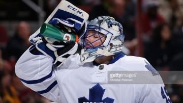 http://www.gettyimages.ca/detail/news-photo/goaltender-jonathan-bernier-of-the-toronto-maple-leafs-news-photo/502308548