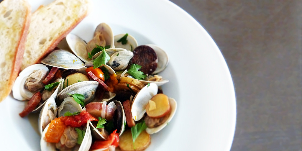 Steamed Clams in Wine with Chorizo