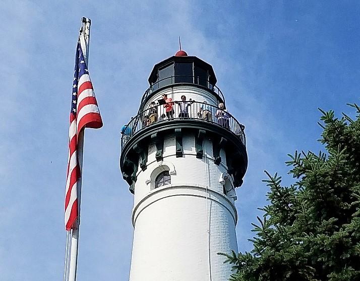 Tower tour flag left (2)