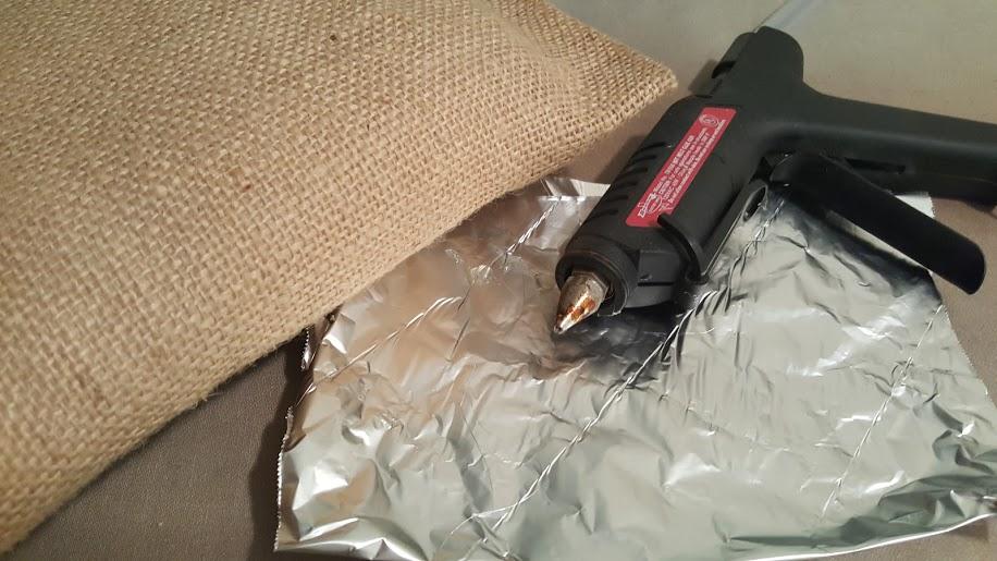 no-sew-pillow-pinterest-fail-getting-some-glue-gun-help