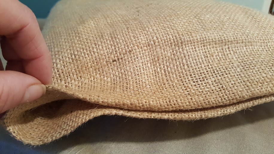 no-sew-pillow-heat-n-bond-failed-to-hold-the-burplap-pillow-case