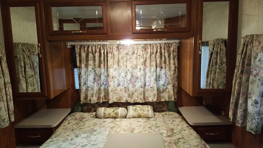 chateau-bryant-rv-bedroom
