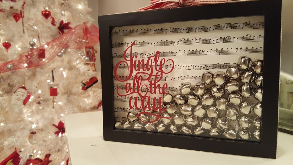 my-thrifty-house-christmas-house-tour-jingle-bell-frame