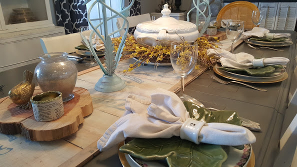 Elegant and simple table setting for spring