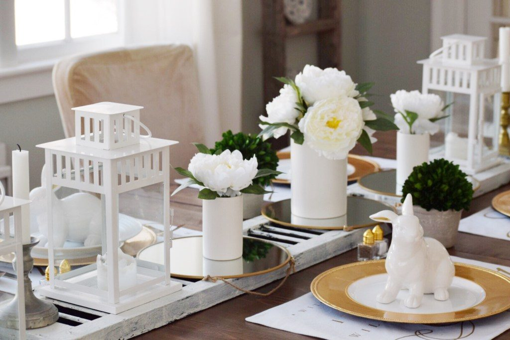 Simple table setting from Gratefully Vintage
