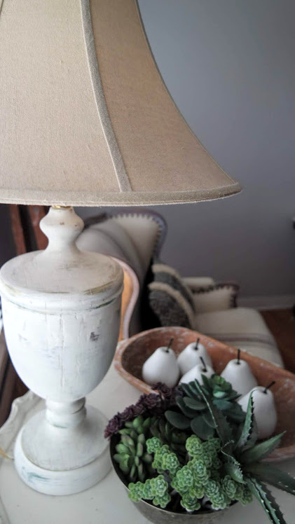 Easy DIY distressed farmhouse lamp