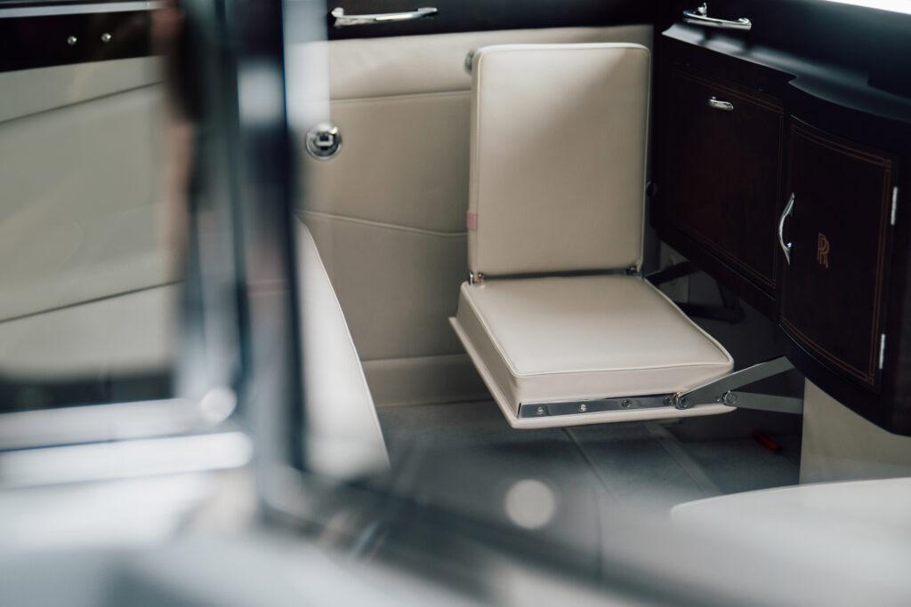 LUNAZ UNVEILS WORLD'S FIRST ELECTRIC CLASSIC ROLLS-ROYCE CARS via Carsfera.com