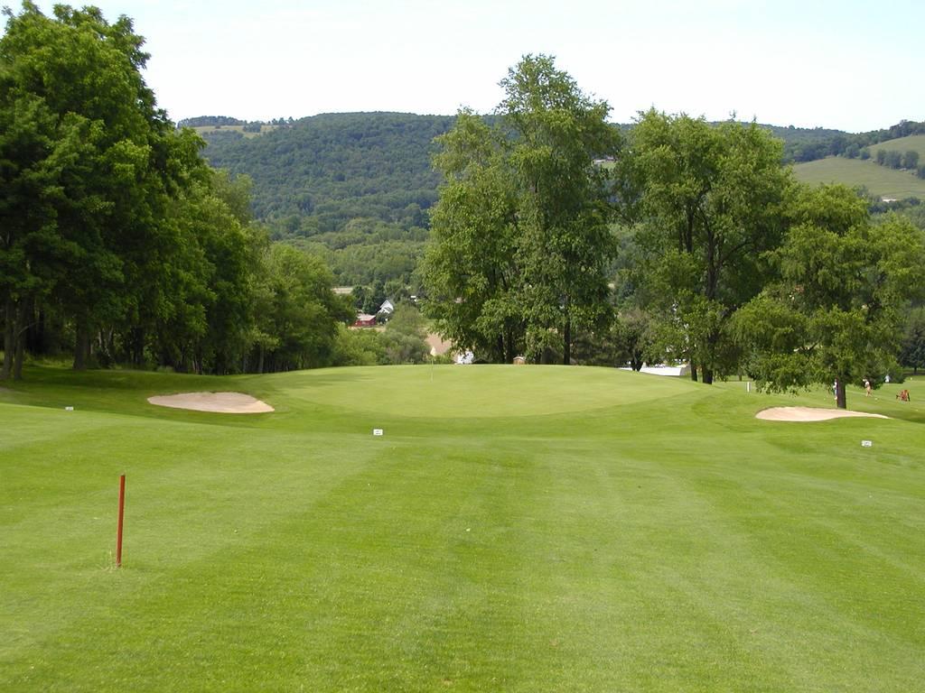 Tioga Golf Club Hole 4
