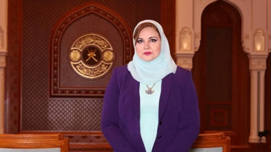 Photo of الوزيرة اللواتية وإبداع المرأة العمانية في الحياة العامة