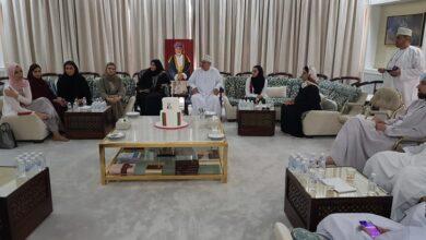 Photo of مجلس الخنجي يخصص جلسته للمرأة العمانية ودورها في التنمية المستدامة