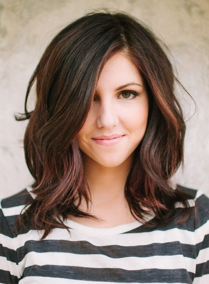 Layered-Hair-Style-for-Wavy-Hair-Medium-Length-Hairstyles-2015