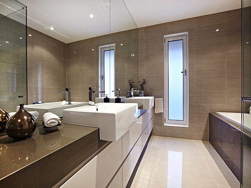 Modern bathroom design with recessed bath