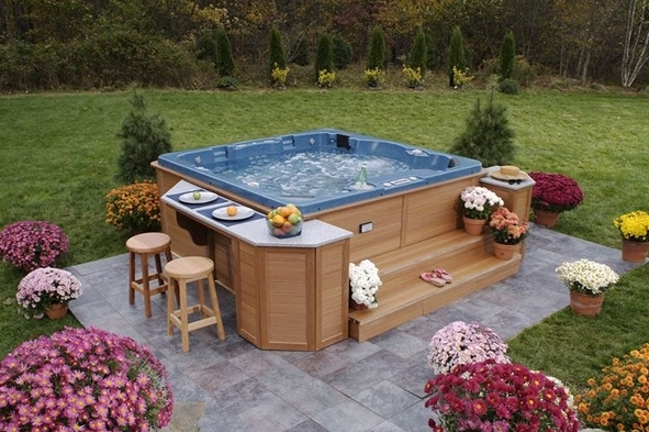 Outdoor-Patio-Ideas-With-Hot-Tub