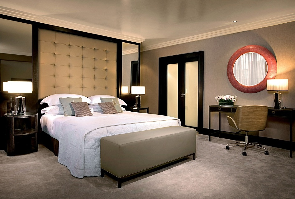 calm-luxury-bedroom