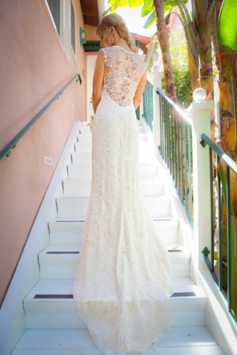 lace-backless-wedding-gown