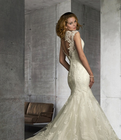 vintage-lace-wedding-dresses-with-open-back