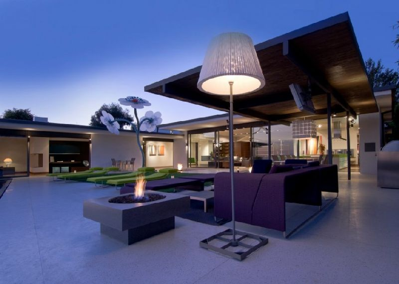 Amazing-Outdoor-Living-Space-Design-at-Modern