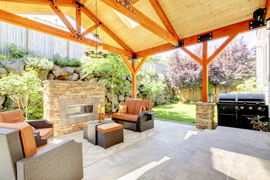 Building-An-Outdoor-Patio-Landscapers