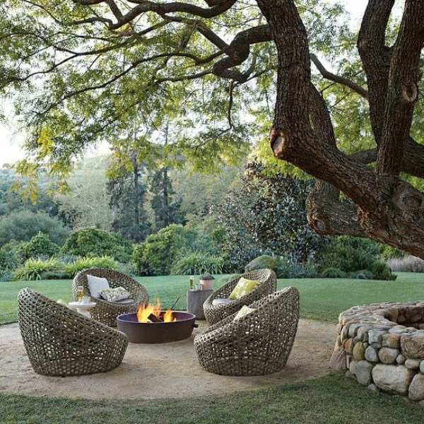 Excellent-outdoor-terrace-design-with-wicker-chairs-Spring-ornament-Ideas-Coolest-Terrace-featuring-Outdoor-Dining-Space-Design-Ideas
