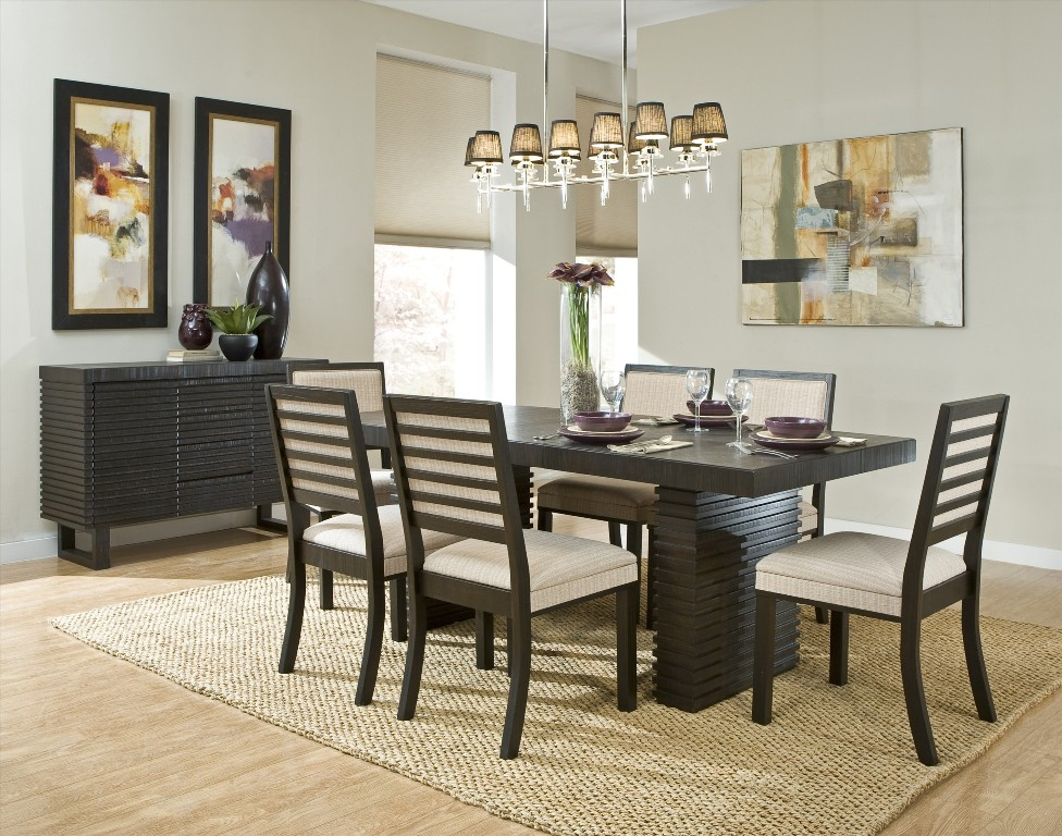 Modern-Dining-Room-with-brown-oak-wood-and-some-hanging-ornaments