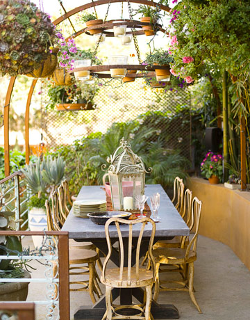 Summer-Outdoor-Dining