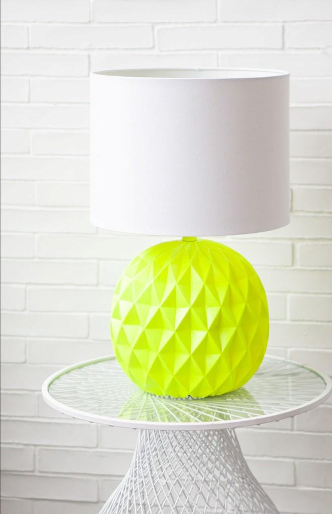 amazing-neon-and-white-pineapple-inspired-lamp