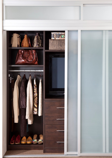 contemporary-closet-small
