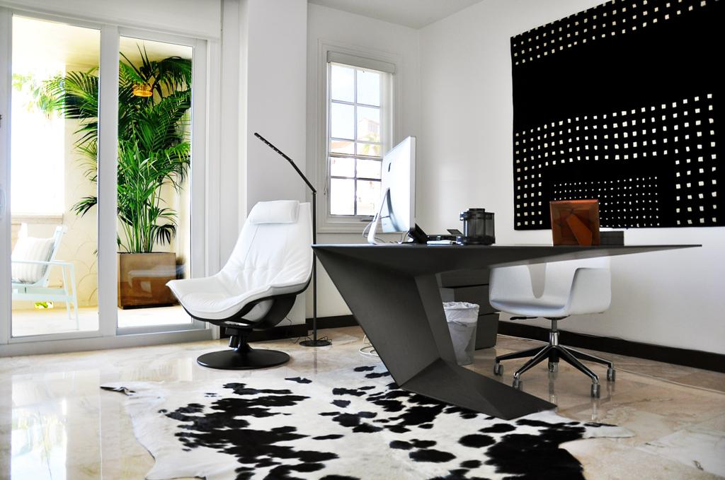contemporary-home-office-with-white-design