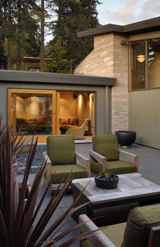 courtyard-modern-outdoor-relaxing-area-design