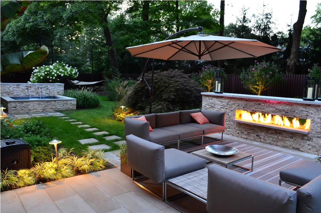 exterior-luxury-modern-backyard-sitting-area-modern-outdoor-fireplace-designs-extraordinary-outdoor-design-ideas
