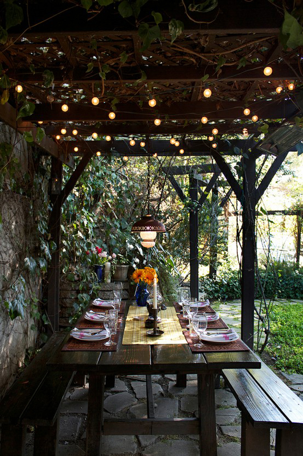 festive-outdoor-dining-area-decor-ideas
