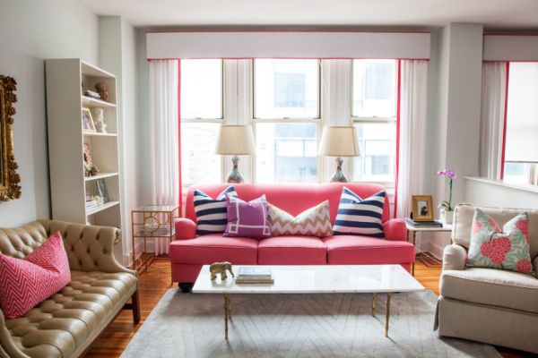 neon-pink-sofa