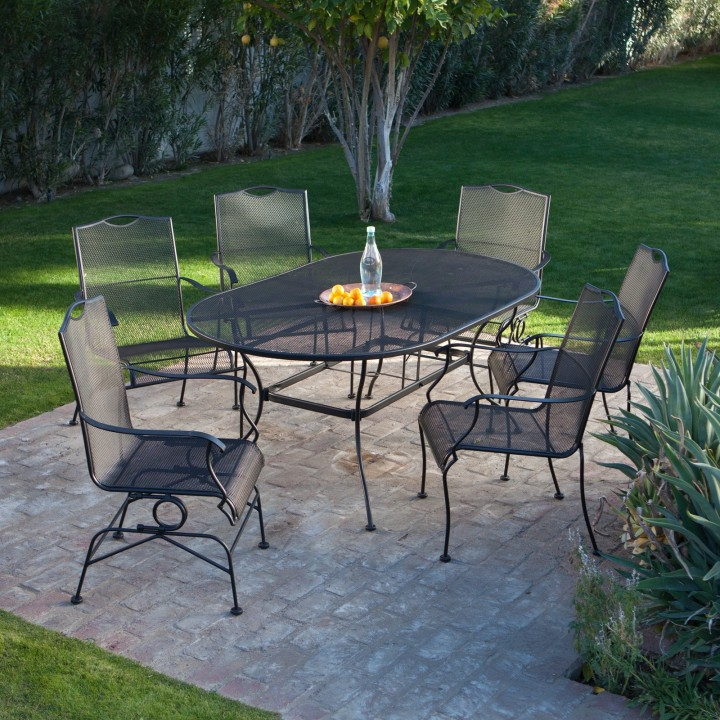 outdoor-dining-set-with-metal-chairs-and-metal-table