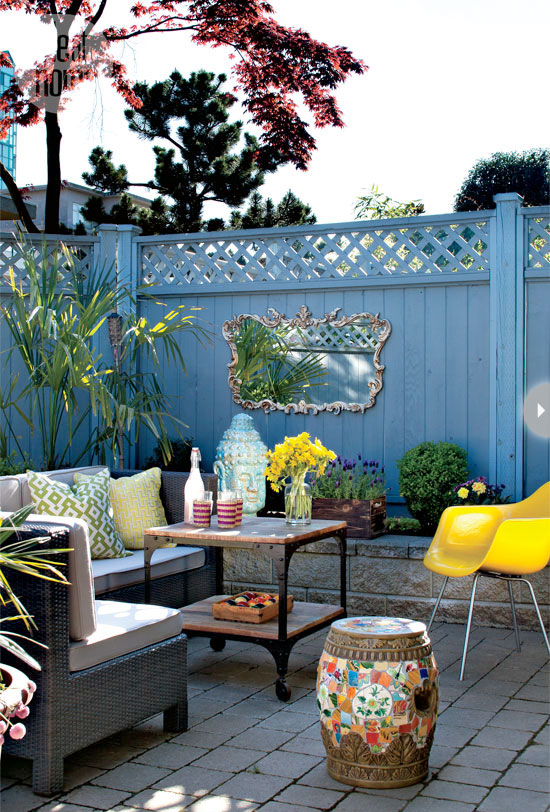 outdoor-spaces-eclectic-courtyar
