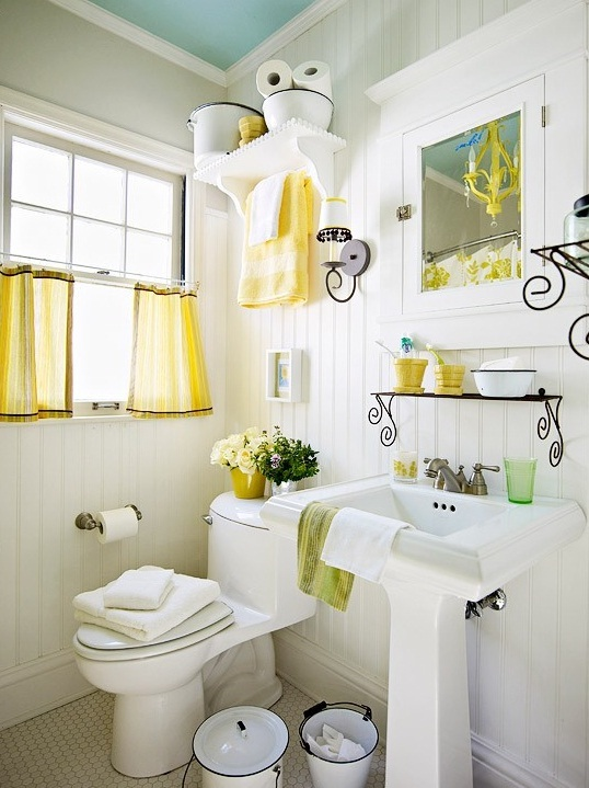 small-bathroom-decorating-ideas-as-luxury-bathrooms-combined-with-some-decorative-accessories-for-your-Bathroom-design