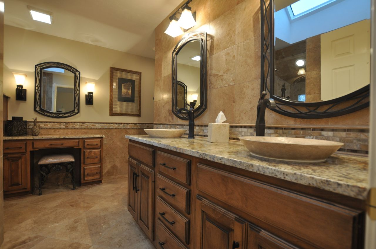 traditional-bathroom-ideas-old-world-bathroom-design-ideas