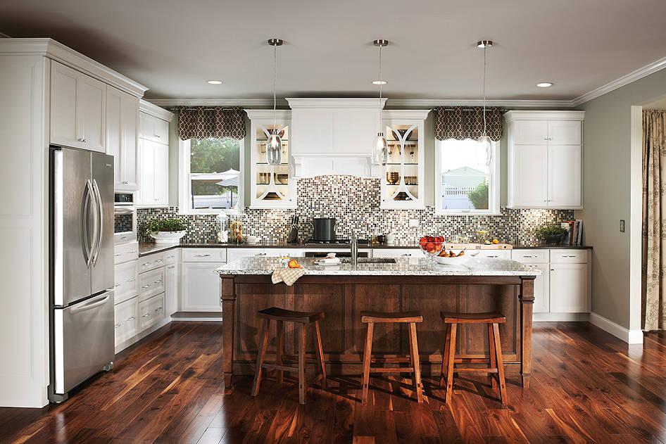 white craftman kitchen
