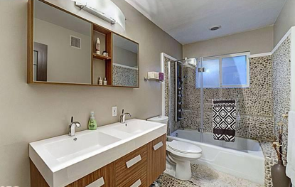 2257 HOLLYRIDGE Dr Los Angeles, CA 90068 www.modernhomeslosangeles.com #mid_century_modern #architecture #homes_for_sale #design #Bath #Remodel