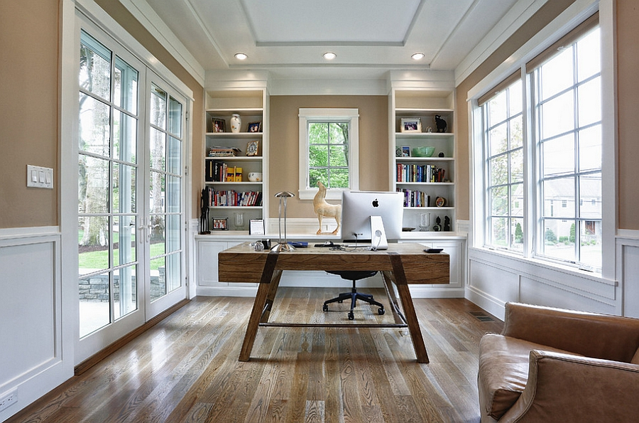 Elegant-beach-style-home-office-with-a-modern-touch