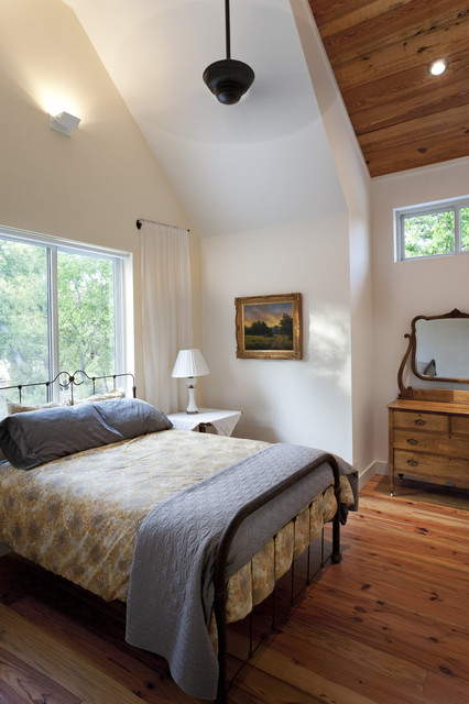 Farmhouse Bedrooms country-bedroom