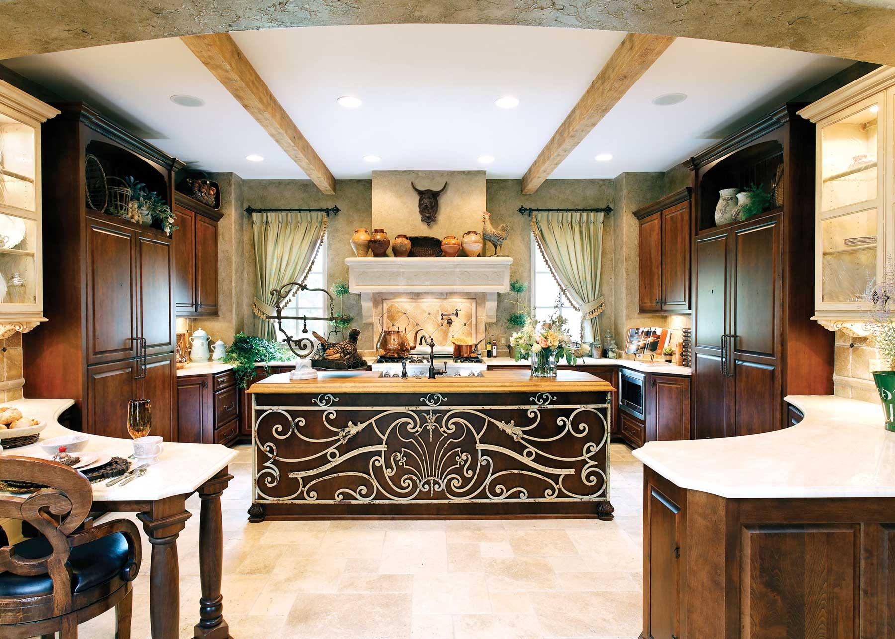 Large-Mediterranean-Style-Kitchen