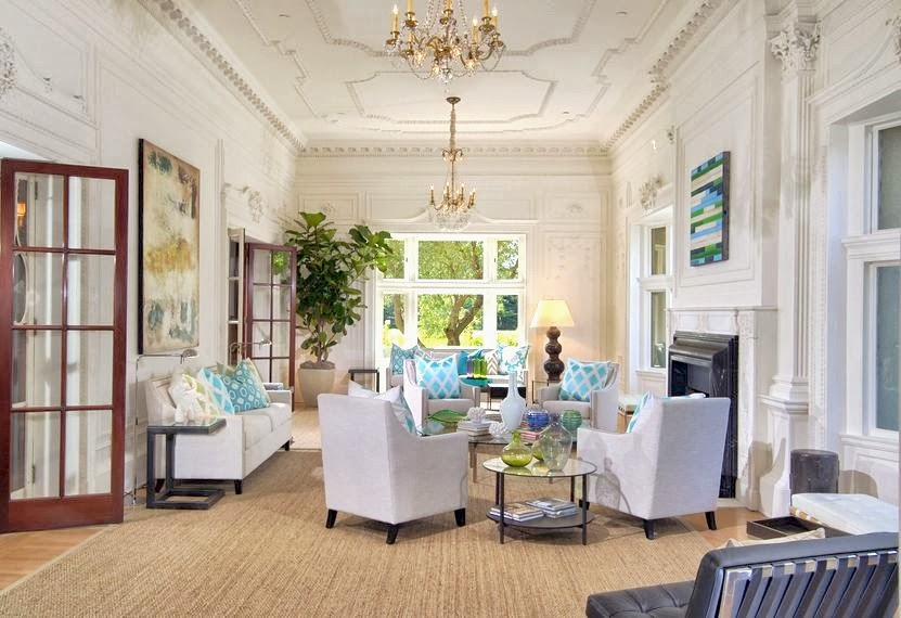 Luxury-classic-living-room-with-high-ceiling-decorating-ideas