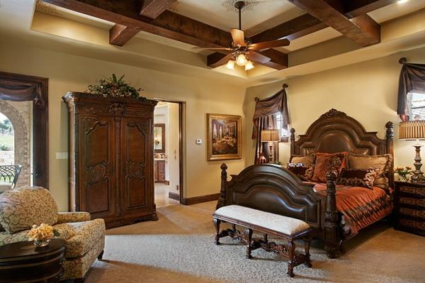 Mediterranean-Bedroom-Design-